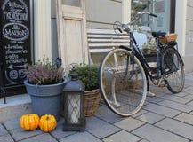 Minha vizinhança, decoração do outono de uma loja