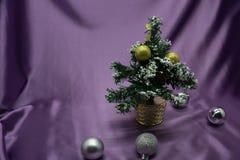 Mini albero di Natale decorato nuovo Fotografia Stock