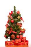 Mini albero di Natale sulla scrivania Immagine Stock Libera da Diritti