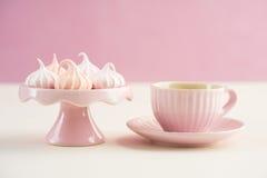 Mini beijos de merengue Fotos de Stock Royalty Free