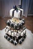 Mini Black et gâteaux et rubans de mariage blancs Photo libre de droits