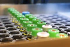 Mini bottiglie vaccino Fotografie Stock Libere da Diritti