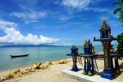Mini Buddhist Temples lungo la spiaggia Fotografie Stock Libere da Diritti