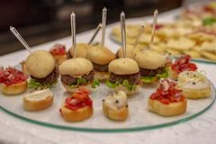 Mini Burgers And Canapes photographie stock