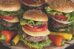 Mini Burgers lizenzfreie stockfotos