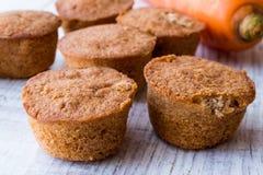 Mini Cakes med moroten och kanel Fotografering för Bildbyråer