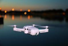 Mini Camera Toy Drone Flying y x28; Tarde Picture& x29; imagen de archivo