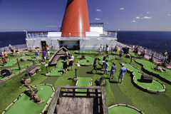 Mini campo de golfe do navio de cruzeiros Imagem de Stock Royalty Free