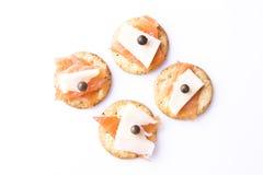Mini Canapes del formaggio e dei salmoni Fotografia Stock