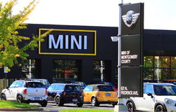 MINI Car Dealership Arkivbild