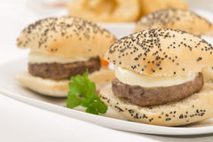 Mini cheeseburger Fotografie Stock Libere da Diritti