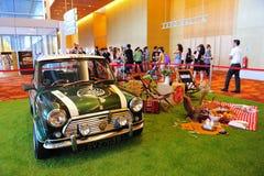 Mini Cooper classico su esposizione al mondo 2014 di BMW Fotografie Stock Libere da Diritti