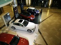 Mini Cooper en BMW Stock Fotografie