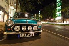 Mini Cooper en una calle, Berlín Fotos de archivo libres de regalías