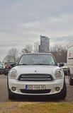 Mini Cooper-geparkeerd nieuw Stock Afbeeldingen