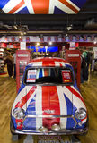 Mini Cooper malte mit der Flagge von England Stockfotos