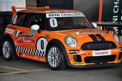 Mini Cooper-Rennen Stockfotos