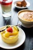 Mini dolce e dessert dolci fotografia stock
