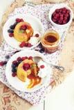 Mini dolci inversi dell'ananas Fotografia Stock