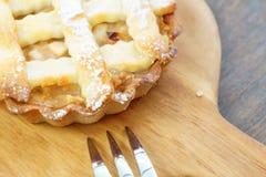 Mini empanada amarilla de oro de la migaja de la manzana Fotos de archivo