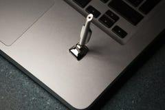 Mini fondo del marmo del computer portatile di aspirapolvere del ferro nessuno immagini stock