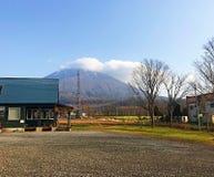 Mini Fuji mit blauem Himmel mit Wolke Lizenzfreie Stockfotos