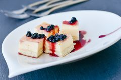 Mini gâteau au fromage de myrtilles Image stock