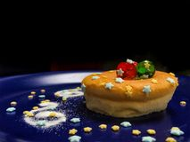 Mini gâteau au fromage facile de DIY pour Noël Images libres de droits