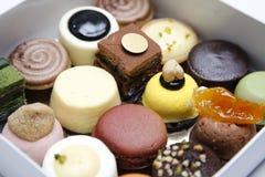 Mini gâteaux de mariage Photos libres de droits