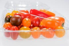 Mini- grönsakblandning med peppar och körsbärsröda tomater Royaltyfria Foton