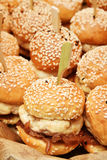 Mini hamburgers de poulet Photos stock