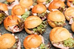 Mini hamburguesas fotografía de archivo
