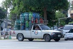 Mini- lastbil för gas av picknickgasföretaget Arkivfoto