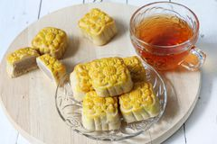 Mini mooncake, bolo tradicional chinês fotos de stock