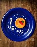 Mini pastel de queso fácil de DIY para la Navidad Foto de archivo
