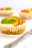 Mini Peach Cheesecake fotos de stock royalty free