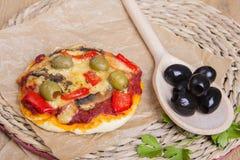 Mini pizza végétarienne Photos stock
