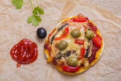 Mini pizza végétarienne Images libres de droits