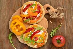 Free Mini Pizza With Bell Pepper, Cottage Cheese And Herbs Stock Photo - 66997590