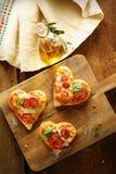 Mini pizzas en forme de coeur mignonnes Photo stock