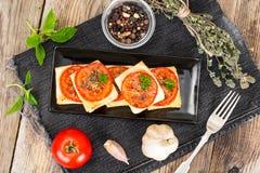 Mini pizze, kulebiaki z pomidorem i Oregano, Zdjęcia Royalty Free