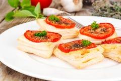 Mini pizze, kulebiaki z pomidorem i Oregano, Zdjęcie Royalty Free