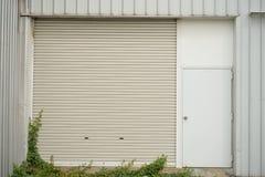 Mini porta della fabbrica Fotografia Stock Libera da Diritti