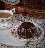 Mini Pound Cake - avelã do chocolate, chá, laço, licor Imagem de Stock