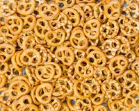 Mini pretzel salgado como o fundo Foto de Stock