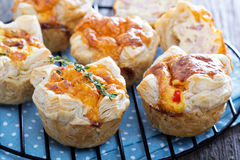 Mini quiche with puff pastry Royalty Free Stock Photos