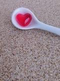 Mini serce galareta w białej małej łyżce fotografia royalty free