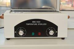 Mini sterelizer de alta temperatura Cuidados m?dicos do equipamento m?dico fotografia de stock royalty free