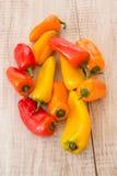 Mini Sweet Bell Peppers From colorido arriba Imagen de archivo