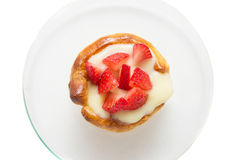 Mini tart with custard and strawberry, isolated Royalty Free Stock Photos